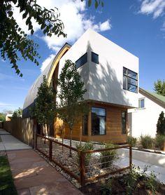 Casa Escudo / Studio H:T