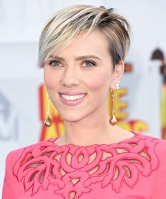 9 Must-Copy Looks From the 2015 MTV Movie Awards  Featured: Scarlett Johansson