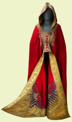 Napoleon's burnous (hooded cloak), 1820. According to the provenance it has to be 1815 or earlier.