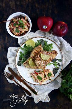 Kulinarne przygody Gatity - przepisy pełne smaku: Grillowana pierś z indyka z salsą jabłkową
