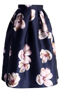 Peach Blossom Midi Skirt in Navy - Skirt - Bottoms - Retro, Indie and Unique Fashion Mode Outfits, Fashion Outfits, Womens Fashion, Modest Fashion, Unique Fashion, Mode Unique, Cute Skirts, Midi Skirts, Peach Blossoms
