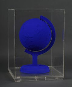 Lot : Yves KLEIN (1928-1962) - La Terre Bleue.. 1957. | Dans la vente Art Contemporain et Design à Tradart Deauville est 20000 / 30000 €