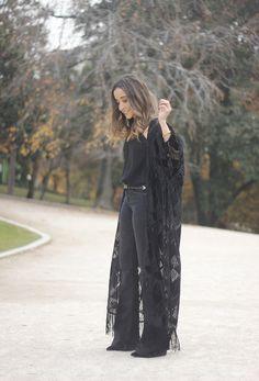 Black Kimono And Black Flared Jeans | BeSugarandSpice - Fashion Blog