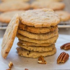 Crunchy Pecan Cookies, a brown sugar, butter cookie full of chopped pecans. Flattened and baked until golden and crispy. Pecan Cookie Recipes, Butter Pecan Cookies, Brown Sugar Cookies, Toffee Cookies, Wafer Cookies, Buttery Cookies, Tea Cookies, Cookie Desserts, Cookies Et Biscuits