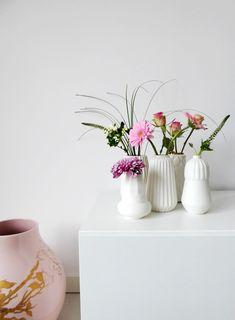 Bloemen uit een boeket verdelen over meerdere vaasjes - Eenig Wonen