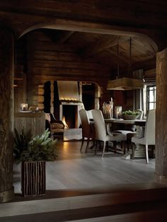 Rustic Rough Wood House With Vintage Touches | DigsDigs