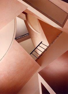 wirsindfreundevon Labyrinthen #wirsindfreundevon #labyrinth #architecture #pink