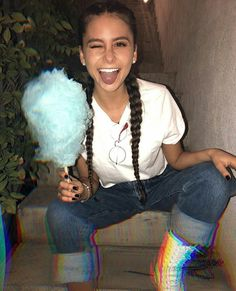 Camila Gallardo Camila Gallardo, Camilla, Capri Pants, Celebrities, Instagram, Hair, Fashion, Photo Ideas, Pretty