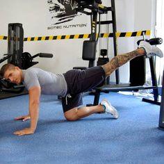 A 4 legerősebb fenékformáló gyakorlat a személyi edzőtől - Látványos eredményt érhetsz el ezekkel a gyakorlatokkal.