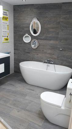 Baño moderno Bathrooms, Bathtub, House, Funky Bathroom, Houses, Interior Design, Standing Bath, Bathtubs, Bathroom