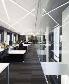 LEMAYMICHAUD | Québec | Design | Office | Corporate | Architecture | Workspace | Lighting | Desks |