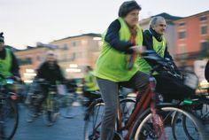 Mi illumino di meno 2011 - Verona Verona, Bomber Jacket, Bicycle, Jackets, Fashion, Down Jackets, Moda, Bike, Bicycle Kick