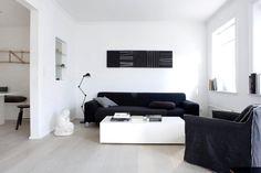 RETOUR A L'ESSENTIEL_________________Minimalisme et Intemporalité en 33 Photos - Inaîlé Set Designer Designer, Couch, Photos, Furniture, Home Decor, Minimalist Dining Room, Rustic Charm, Minimalism, Settee