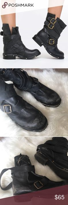 """Jeffrey Campbell Boots sz 10 Jeffrey Campbell """"brit to black"""" leather buckle boots. These have been worn so they have some distressing but still in good shape. Plenty of wear left. Originally about $200. Women's size 10. Jeffrey Campbell Shoes Combat & Moto Boots"""