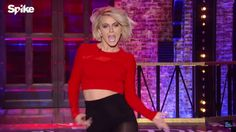 Hard to find a clear photo of Julianne Hough's hair at the lip sync battle- but it's so darn cute!