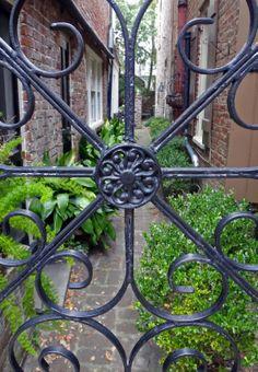 Joe's Retirement Blog: Gardens Gowns and Gates, Charleston, South Carolina, USA