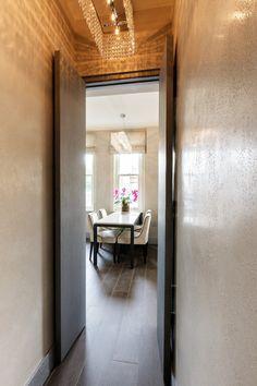 Rich Textures Maximize Small London Apartment - http://freshome.com/small-london-apartment/
