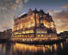 Hotel De L'Europe, Amsterdã  O Hotel De L'Europe foi originalmente criado para ser uma torre de defesa contra invasores na cidade. Hoje, com seu visual único, o hotel é um dos grandes ícones da capital holandesa.