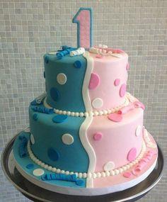 torte für zwillinge halbieren-blu-rosa-punkte-muster-1-geburtstag