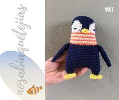 Llega el invierno y este amigurumi está feliz de hacerte compañía. Encontrá más amiguitos para abrazarte como este pingüinito en invierno visitando nuestro blog. Crochet Hats, Blog, Happy, Hug You, Winter, Hand Made, Amigurumi, Manualidades, Knitting Hats