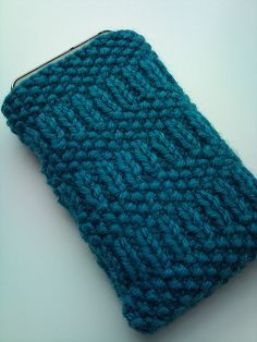 Free Knitting Pattern - Phone, Tablet & Laptop Covers: Simple Smartphone Case