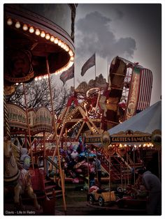 Carter's Steam Fair. Creepy Carnival, Carnival Rides, Vintage Circus Party, Vintage Carnival, Circus Aesthetic, Vintage Halloween Photos, Creepy Pictures, Night Circus, Scary Clowns