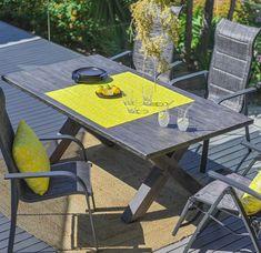 Gartentisch mit Alugestell - Jetzt bestellen Outdoor Tables, Outdoor Decor, Outdoor Furniture, Modern, Home Decor, Trendy Tree, Interior Design, Home Interior Design, Yard Furniture