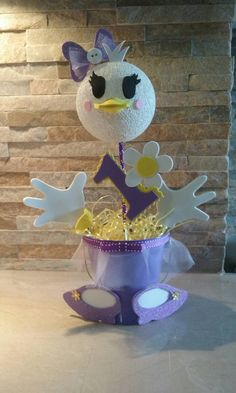 Donald Duck and Daisy Duck's Centerpieces by mariscraftingparty