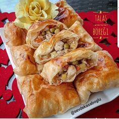 """Sevde Tatlıbal Kasaboglu on Instagram: """"Puf puf kabaran nefis bir börek ile karşınızdayım.🤗🤗 Arkadaşlarımdan tam not alan böreğim hem doyurucu hem de çok lezzetli...👌👌 Umarım siz…"""" Hot Dog Buns, Hot Dogs, Spanakopita, Cheesesteak, Bread, Ethnic Recipes, Pizza, Food, Instagram"""