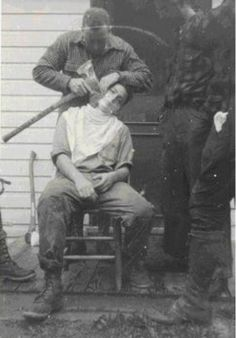 Shaving With An Axe, 1930s During the late 30´s men traveled around to show off their merchandise. In the pictures below a salesman demonstrates the sharpness of an axe shaving the face of a brave volunteer.