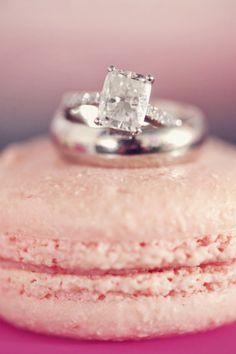 Wedding Band & Engagement Ring Photography on macaroon #engagementrings #engagement #engagementjewelry