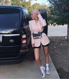 Kylie Jenner Wore a Blazer and Bike Shorts — Teen Vogue - Fashion - Biker Shorts Moda Kylie Jenner, Looks Kylie Jenner, Kylie Jenner Style, Kendall Jenner Outfits, Kylie Jenner Fashion, Kylie Jenner Pink Hair, Estilo Kardashian, Estilo Kylie Jenner, Kardashian Style