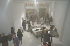 Acción creada por Carlos Rivero: ACABÓ EL TRABAJO, ATARDECE, con la participación de María Isabel Díaz, Sara Garsía y música de Dailos Ruíz | por BIBLI arte-interiorismo