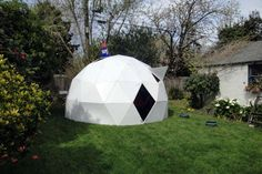 """Folding Geodesic Dome Instructable... super accurate ind concise instructions. Is there room for this in a camp class? Maybe an """"architecture"""" activity? IT'S SO COOL!!!"""