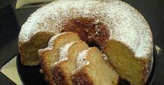 Eνα κέικ για την νηστεία και όχι μόνο. Είναι τέλειο, εύκολο και χωρίς λιπαρά. Παραμένει μαλακό και ζουμερό στο εσωτερικό του λόγω του μήλου... Greek Sweets, Greek Desserts, Greek Recipes, Eggless Desserts, Vegan Desserts, Cooking Cake, Cooking Recipes, Meals Without Meat, Cake Recipes