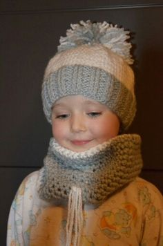 Teply zimny set Knitting For Kids, Knitted Hats, Knit Crochet, Fashion, Grandchildren, Beanies, Tejidos, Tricot, Knit Hats