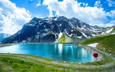 Every Austrian must hike on these trails! Most Beautiful Pictures, Beautiful Places, Wanderlust, Garden Makeover, Innsbruck, Hiking Trails, Homeland, Austria, In The Heights