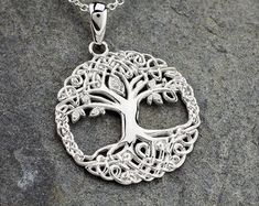 Tree of life Beautiful Symbols, Tree Of Life Jewelry, Celtic Tree Of Life, Irish Jewelry, Crystal Design, Tree Of Life Necklace, Celtic Knot, Things To Buy, Bridal Jewelry
