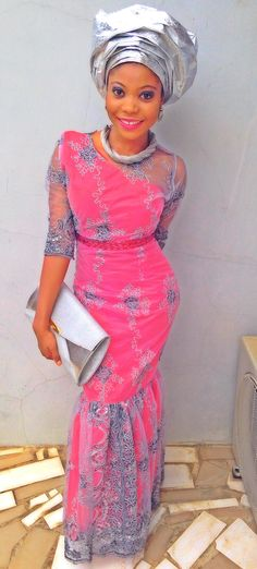 Are you a fashion designer looking for professional tailors to work with? Gazzy Consults is here to fill that void and save you the stress. We deliver both local and foreign tailors across Nigeria. Call or whatsapp 08144088142 African Lace, African Wear, Velvet Fashion, Royal Fashion, Ghanaian Fashion, African Fashion, Nigerian Traditional Dresses, African Inspired Clothing, Africa Dress