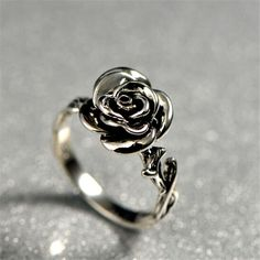 Eye Catching Silver Rose Fashion Ring