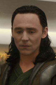 His face is killing me, this is right after he talks to Frigga.....