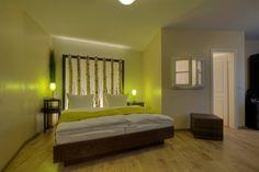 Romantikzimmer Träume der Nacht Huge Shower, Good Environment, Rooftop Pool, Restaurant, Other Rooms, Chiang Mai, Cool Rooms, Best Hotels