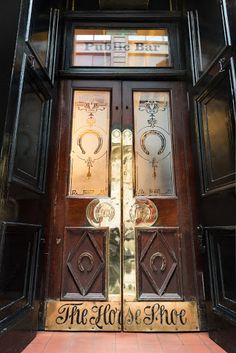 Pubs of Edinburgh and Glasgow: Horseshoe Bar