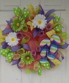 Flip flop mesh wreath with Gerber daisies