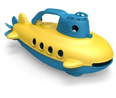 Take the helm of the Green Toys™ Submarine for a nautical journey to help protect the planet! Submerge it underwater to explore the terrain at the bottom of the tub, and let it resurface to scan the h