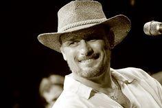 O músico Rodrigo Zanc sobe ao palco do Sesc Itaquera neste domingo, 24, às 16h para uma apresentação única. O show acontece no Café Campestre e tem entrada até R$ 7.