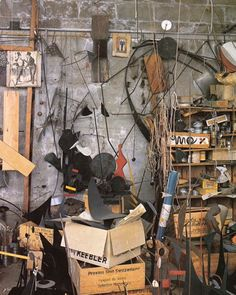 Calder at Home- The Joyous Environment of Alexander Calder by Pedro Guerreo 4