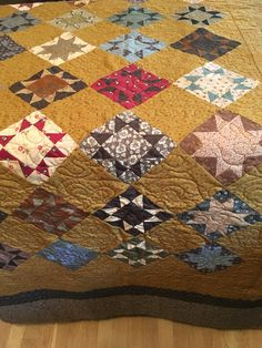 Mustard Variable Star Quilt❤️ my sister yolanda's work it's beautiful!
