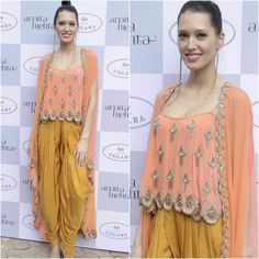 Fun laid back outfit.perfect for a sangeet outfit Indian Dresses, Indian Outfits, Indian Clothes, Indian Attire, Indian Wear, Kurta Designs, Blouse Designs, Sangeet Outfit, India Fashion