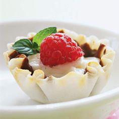 Tiny Raspberry Cheesecake Tarts